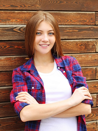 Teen girl with healthy smile